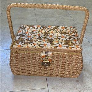 "🌼Vtg 60s/70s Sears ""daisy""wicker sewing box 🧵"